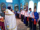 Випускники Никонівської школи отримали благословення священика!