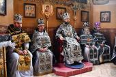 Сповідь духовенства Попільнянського району. Архієрейське богослужіння у Свято-Миколаївському храмі.