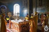 У середу другої седмиці після П'ятидесятниці митрополит Никодим звершив Божественну літургію у Свято-Успенському архієрейському соборі міста Житомира.