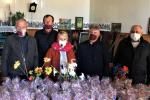 Жителів Семенівської ОТГ: людей поважного віку, самотніх та немічних – привітали з Великоднем і передали освячені паски