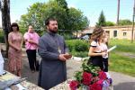 Свято останнього дзвоника у с. Великій П'ятигіріці: напуття вчителів, благословення священика!
